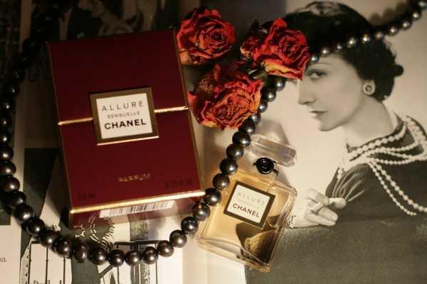 Такие одинаковые, но в то же время разные Coco Mademoiselle Chanel и ... 1e9f7ab43af